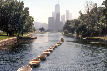 Chicago itinerary : Multi-Modal Exploration