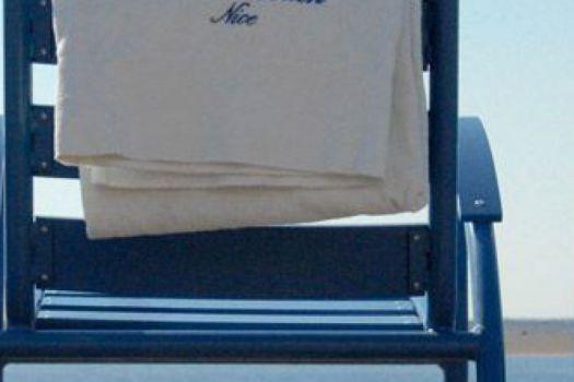 france 39 s best gay lesbian beaches nice cote d 39 azur ellgeebe. Black Bedroom Furniture Sets. Home Design Ideas
