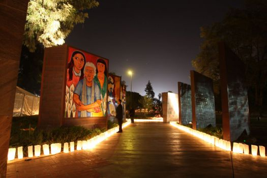 The Wall: Las Memorias AIDS Monument