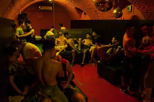 valverde gay singles Gran via sol valverde iv save overview  reviews   (one with double bed and the other with two single beds),  lately it has become a popular gay haunt.