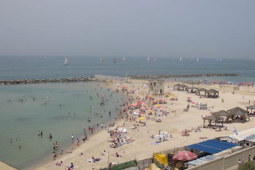 Metzizim Beach